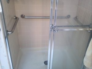 shower handrails house adaption